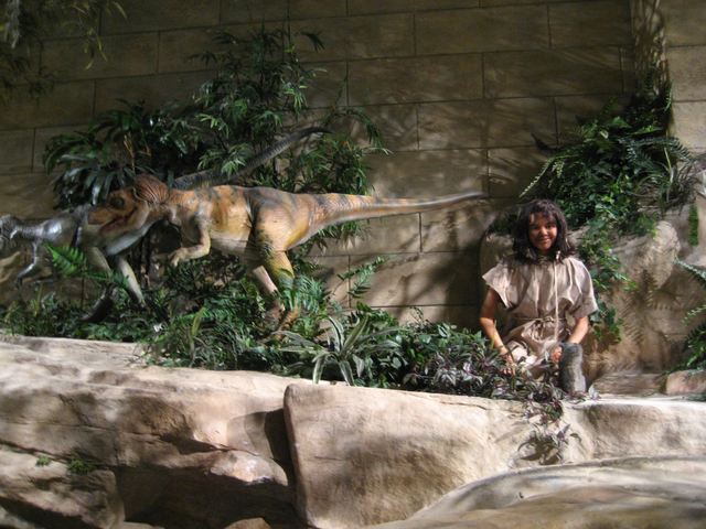 A scene showing humans and dinosaurs together at the Creation Museum in Petersburg, Kentucky. Image: WikiMedia Commons.